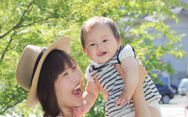母娘のふれあい・夢イメージ画像