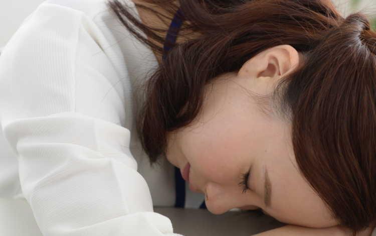 シングルマザー疲れる副業のイメージ画像